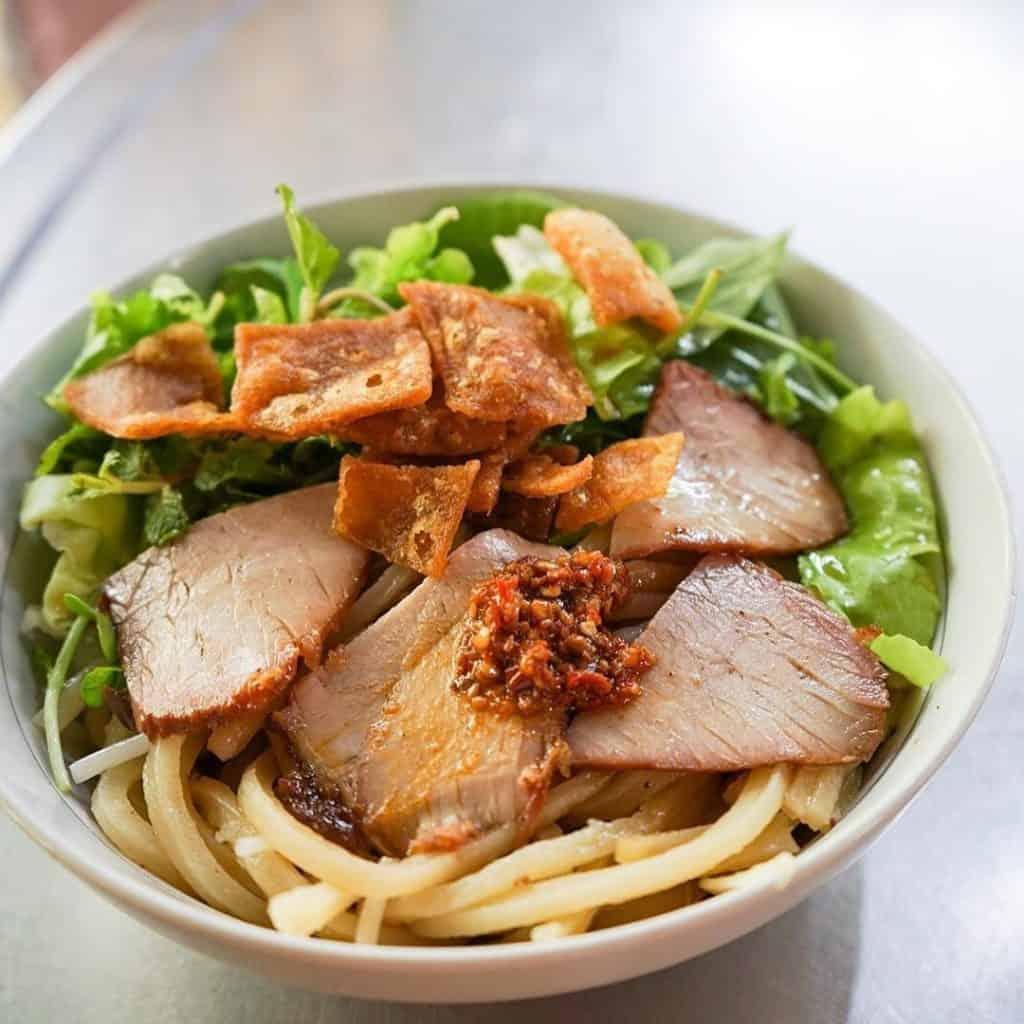 Cao Lầu đặc sản ẩm thực miền Trung